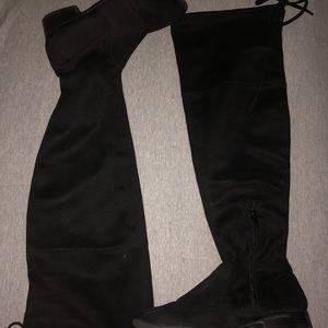 High thigh boots